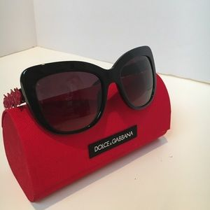 Dolce & Gabbana catwalk roses sunglasses